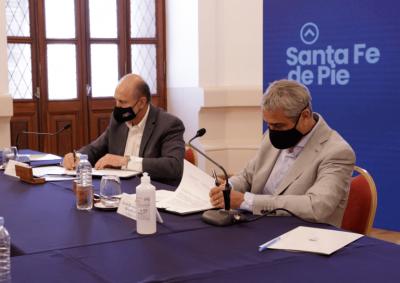 Ferraresi y Perotti firmaron convenios para la ejecución de viviendas en la provincia