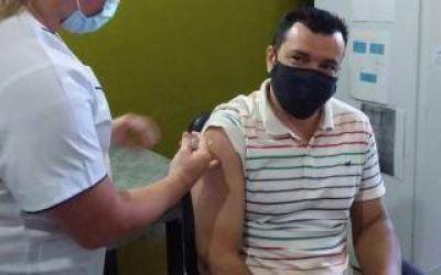 Se vacunó el intendente Nobre Ferreira