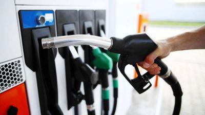 Petroleras prevén una suba de naftas de hasta 2%, pero esperan por YPF