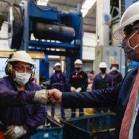 El trabajo registrado industrial creció por quinto mes consecutivo