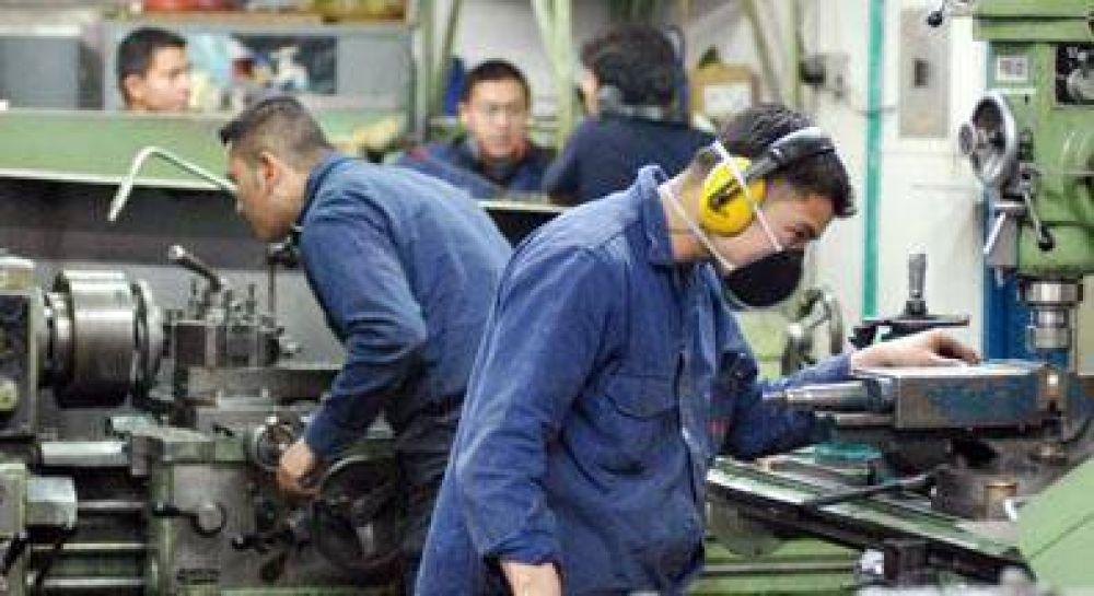 Metalúrgicos: Prorrogan hasta marzo el pago del 75% del salario a trabajadores licenciados por la pandemia