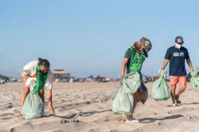 """McDonald's y """"Reciclando Conciencia"""" realizarán jornada de limpieza en Playa Grande"""