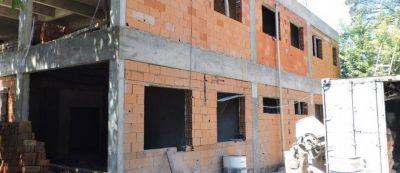 Lunghi recorrió obras en establecimientos educativos