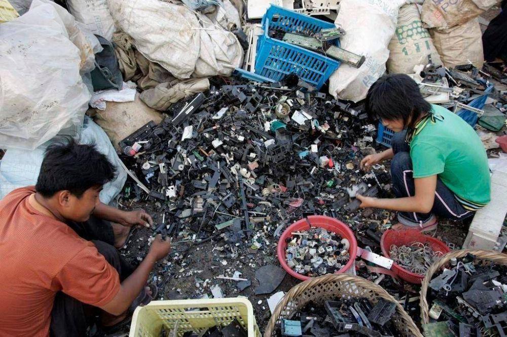 La basura electrónica, una gran amenaza que demanda un cambio de hábitos