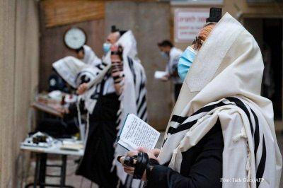 Frente a la pandemia, los creyentes confían más que nunca en Dios