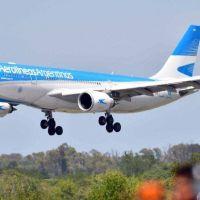 Coronavirus: llegó a Ezeiza el avión que trae 300 mil dosis del segundo componente de la vacuna Sputnik V