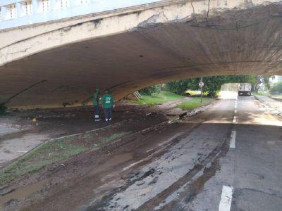 Por las lluvias, la Municipalidad ordenó el corte de Costanera Norte