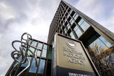 """La Agencia Europea de Medicamentos denunció una """"manipulación"""" de los documentos sobre las vacunas robados por hackers en el ciberataque de diciembre"""