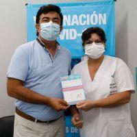 Espinoza se aplicó la Sputnik V en el Hospital Municipal de La Matanza:
