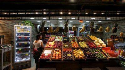 Para los alimentos de consumo masivo, la inflación de 2020 fue superior a la informada por el Indec