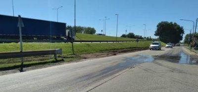 Pasadas las lluvias, retiraron finalmente los residuos abandonados sobre Colectora