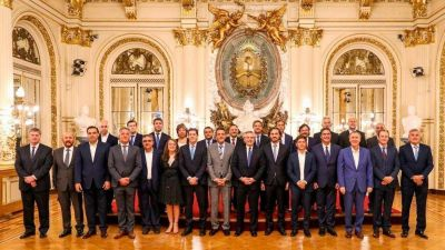 Fernández se reúne con el gabinete federal y el miércoles con gobernadores del norte