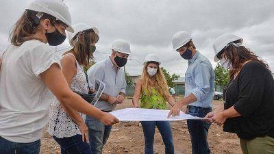 Juan Andreotti recorrió la obra de la nueva Escuela Municipal de Oficios, en el barrio San Jorge