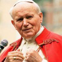 San Juan Pablo II mostró que el bien de la familia es esencial, afirma Cardenal