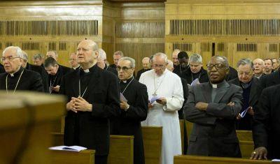 El Vaticano suspende los ejercicios espirituales de la Curia