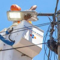 Instalan más luminarias LED en el distrito