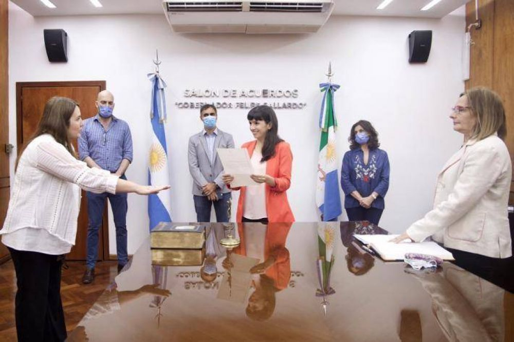 Juró la nueva Fiscal de Estado de la Provincia, Cecilia Fernández Almendra