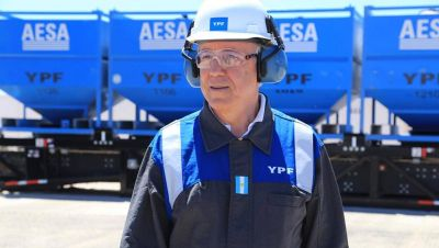 Nielsen confirma su salida de YPF, pero dice que seguirá vinculado al canje de deuda