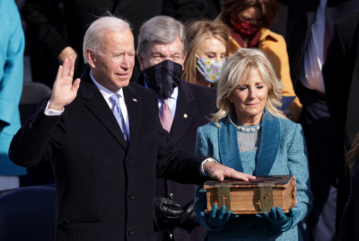 La historia de la Biblia sobre la que Joe Biden juró a la presidencia