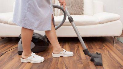 Empleadas domésticas: aún cobrando la AUH, no cubren la canasta de pobreza
