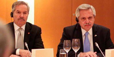 "Alberto vs. Solá: crisis diplomática (e interna) por el comunicado de Cancillería que ""le pone los puntos"" a Biden"