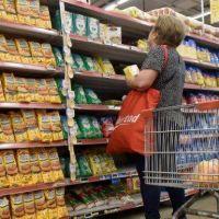 Precios descuidados: la inflación se come los ingresos populares