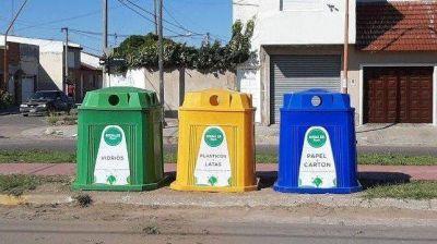 Instalaron otros 3 puntos limpios con campanas para la separación de residuos