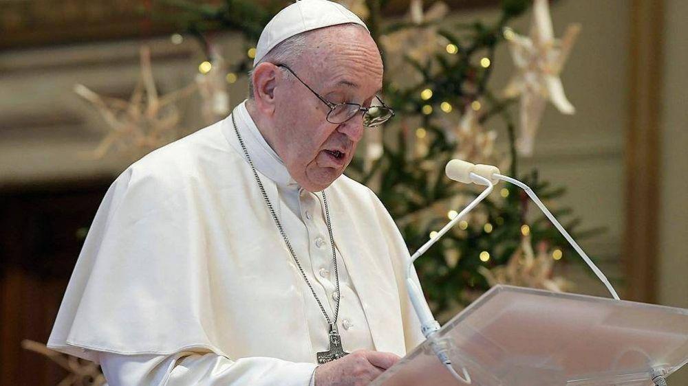 El Papa pidió controles contra las fake news y un periodismo valiente para mostrar la realidad