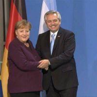 Alberto Fernández dialogará hoy con Ángela Merkel para fortalecer la negociación con el FMI