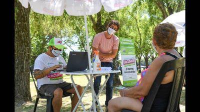 Juan Andreotti alentó a abuelos a registrarse para la vacuna contra el covid-19