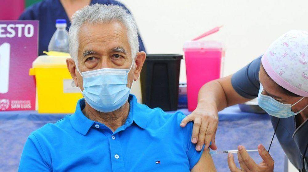 Rodríguez Saá recibió la primera dosis de la vacuna rusa