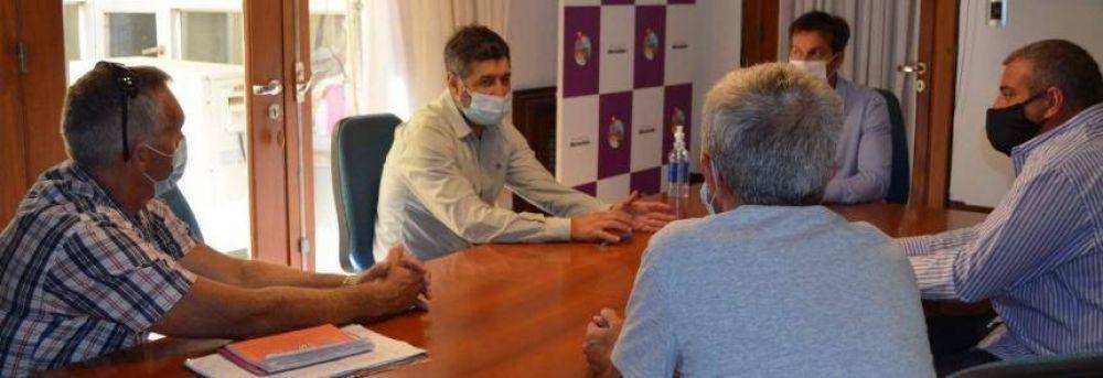 Rojas se reunió con la Liga de Fútbol por la presencialidad en las canchas