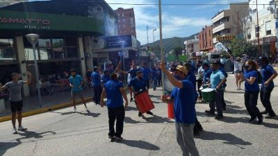 La Coopi marchó por el centro de Carlos Paz