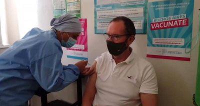 """Intendente Torchio: """"Es una enorme satisfacción haberme aplicado la vacuna"""""""