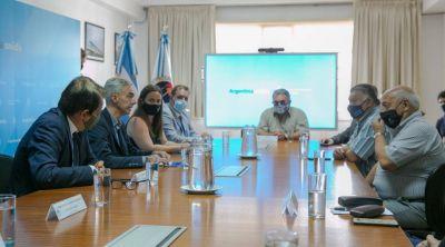 Marítimos. Schmid celebró el acuerdo que le daría a la Argentina trabajo y divisas