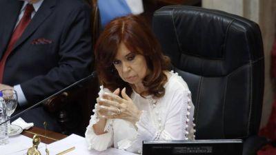Cristina perdería senadores pero podría conservar una mayoría propia