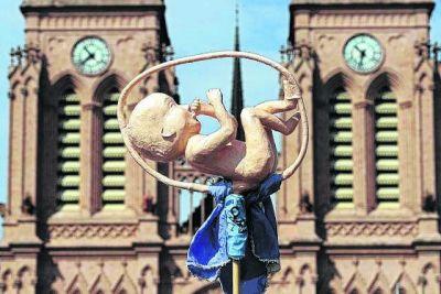 La Iglesia católica y el aborto en la Argentina