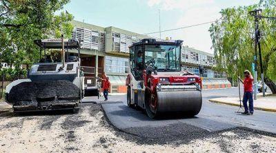 Repavimentan tres cuadras de la calle Independencia en Escobar