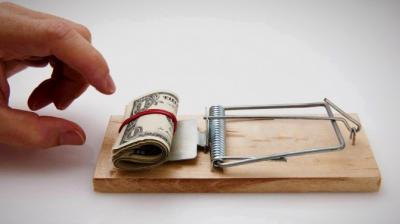 El BCRA suma reservas y baja su posición de dólar futuro, pero reduce su tenencia de bonos