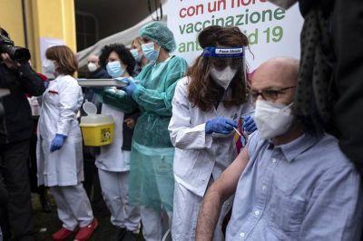 Aprueban el uso de las vacunas de Pfizer/BioNTech y Moderna en mayores de 18 años y sin límites de edad