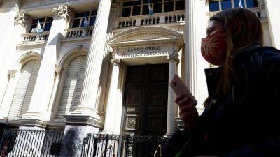 El Banco Central suspendió a importadores por maniobras con divisas por USD15 Millones