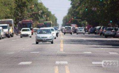 Qué dijo Montenegro sobre el pedido para renombrar la Avenida Colón por Diego Maradona