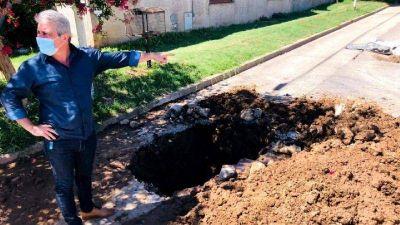 Trabajan en una importante obra de bacheo en el Barrio Belgrano de Pergamino