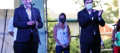 Chornobroff y Magdalena Sierra entregaron subsidios junto al ministro Ferraresi