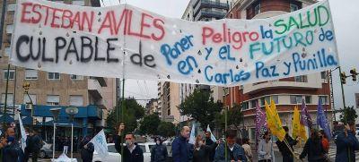 Trabajadores de la COOPI se manifestaron frente a la legislatura provincial y pidieron su 'urgente intervención' en el conflicto por el agua