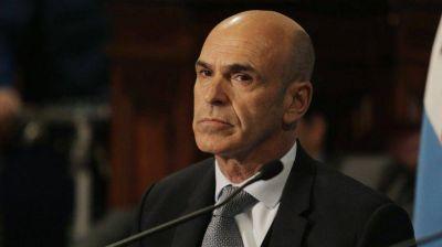 Gustavo Arribas pidió permiso para salir del país