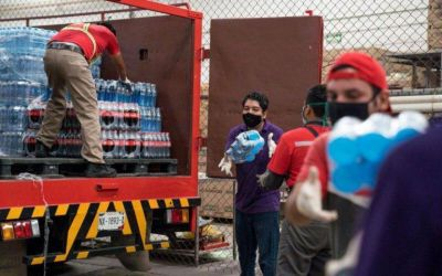 En un país con sed, sobra el agua para la industria de las bebidas chatarra