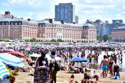 En enero llegaron 832.000 turistas a Mar del Plata, un 40% menos que el año pasado