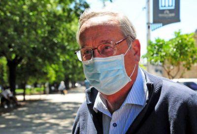 El intendente Miguel Lunghi recibió la primera dosis de la vacuna Sputnik V