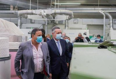 Quintela visitó la fábrica Ritex junto a funcionarios del Gobierno nacional